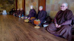 sangha of nuns at Dhammasara