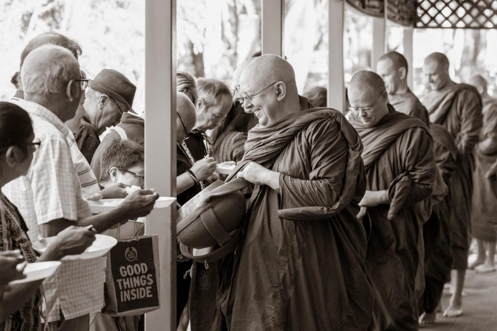sangha-dana-Bodhinyana
