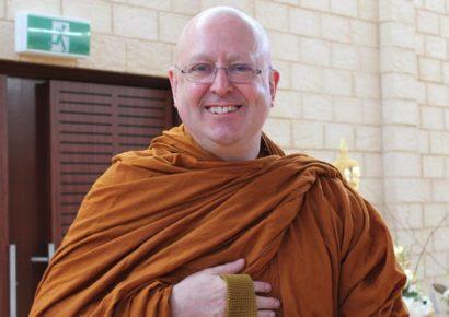 Ajahn Brahm Teaching a Meditation Retreat